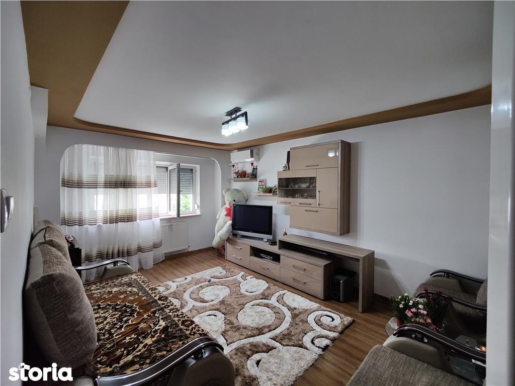 Eremia Grigorescu: apartament 3 camere, confort 1, decomandat