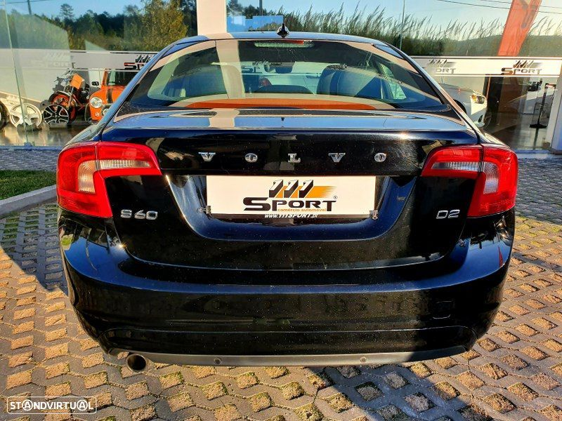 Volvo S60 2.0 D2 Momentum Geartronic - 3