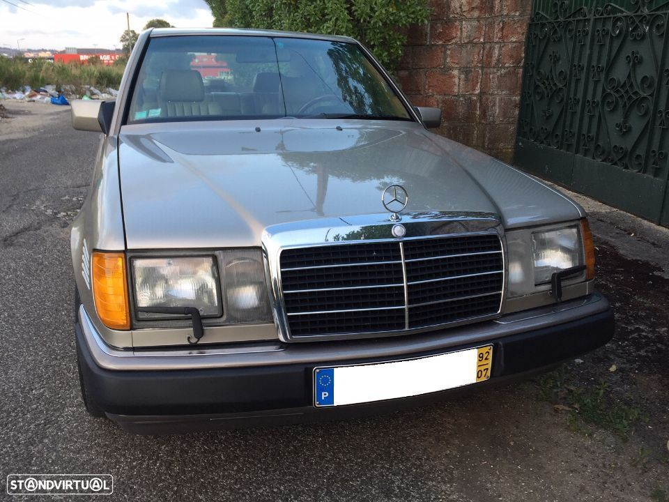 Mercedes-Benz 300 D Turbo - 37