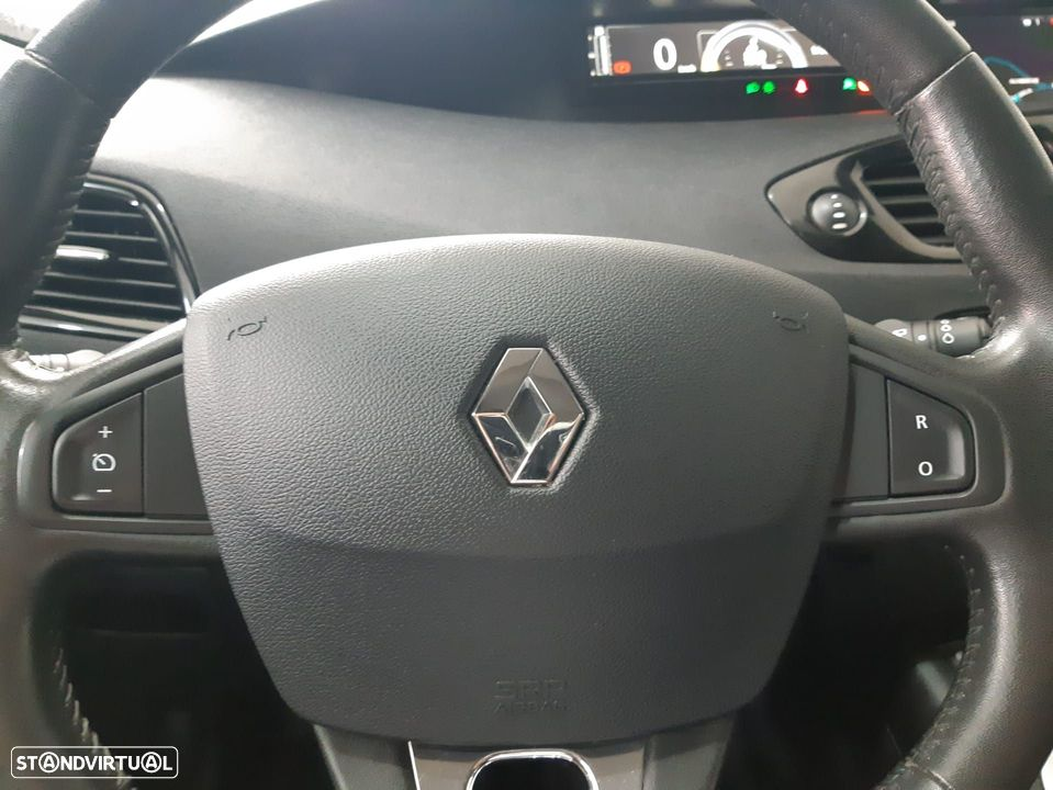 Renault Grand Scénic ver-1-6-dci-bose-edition-ss - 18