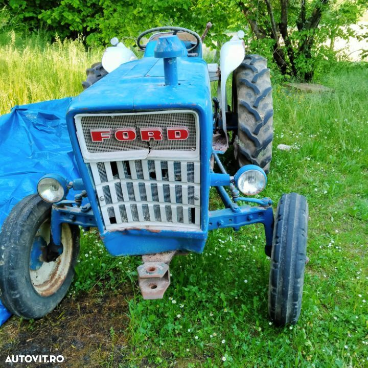 Ford 2000 - 5