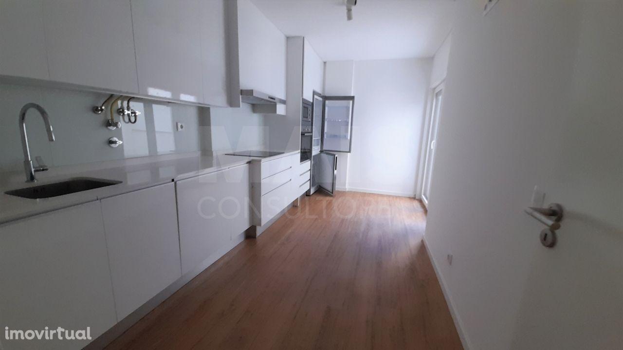 Apartamento T2 Novo - Avenidas Novas