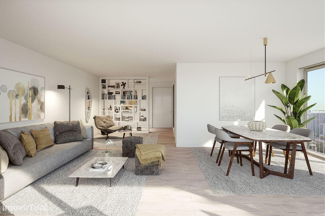 Apartamento T3 com 2 Garagens e Varanda