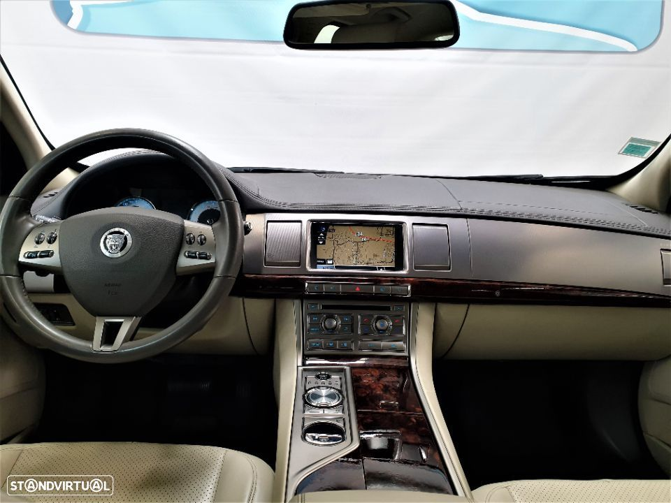 Jaguar XF 3.0 V6 Luxury - 13