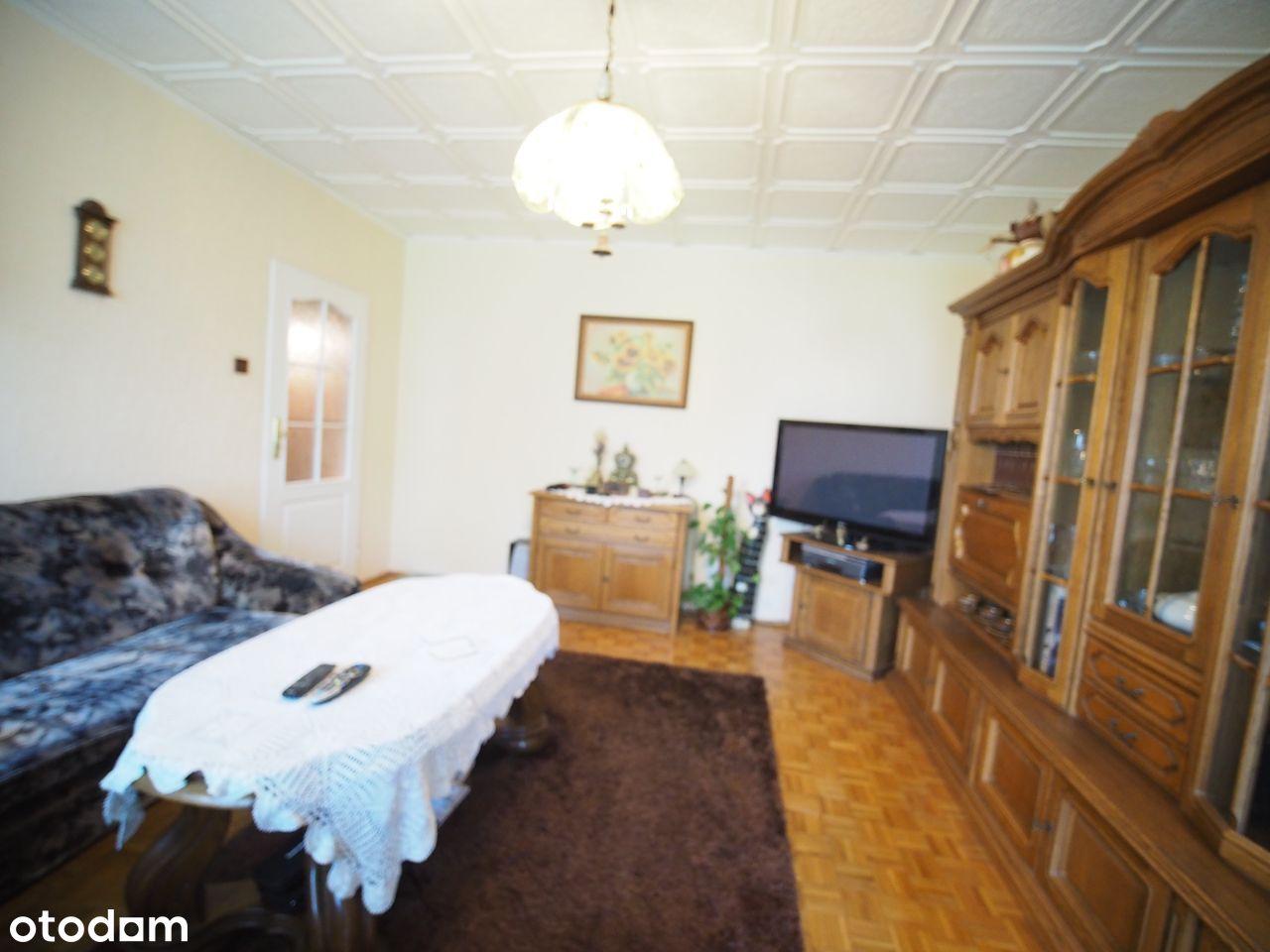 3 pokoje, II piętro, blok mieszkalny