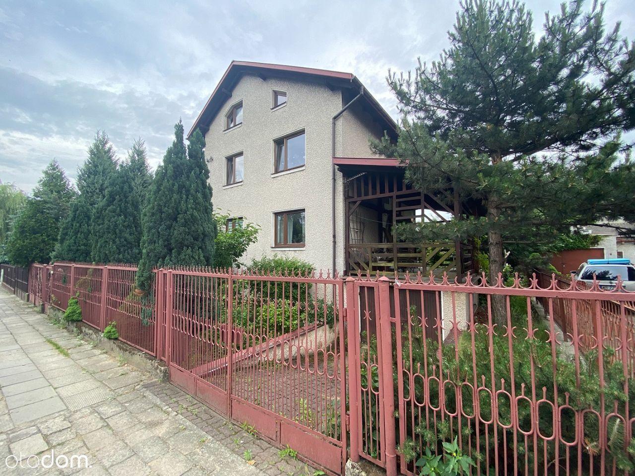 Wolnostojący dom w dobrej lokalizacji bezpośrednio