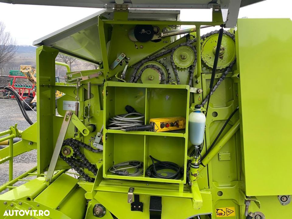 Claas Rollant 250 - 5
