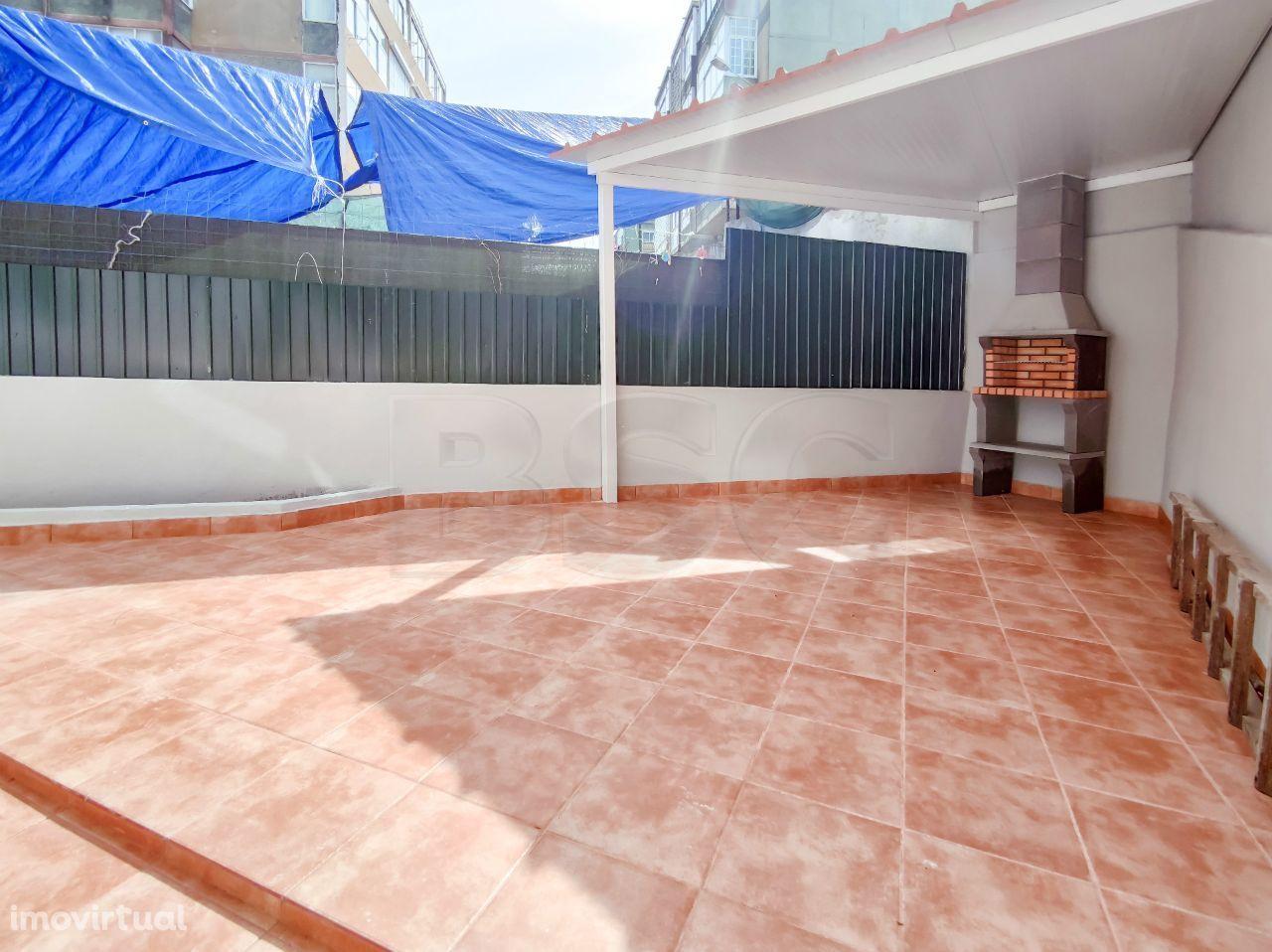 Apartamento T1 à venda em Falagueira-Venda Nova