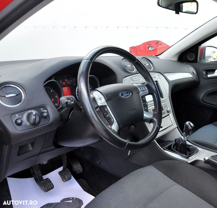 Ford Mondeo 2.0 - 9