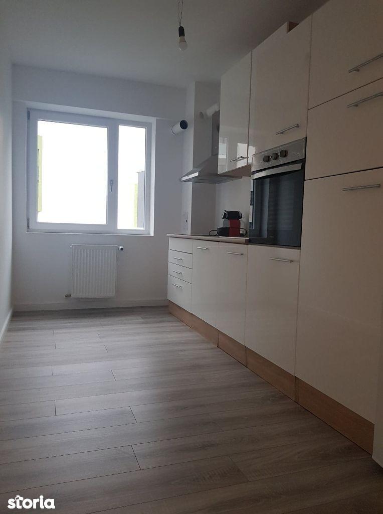 Vindem apartament 2 camere Prima Decebal