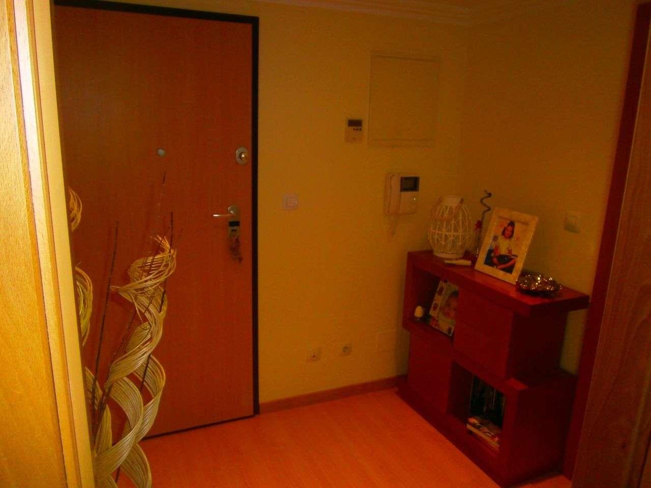 Apartamento para arrendar, Rua Sebastião e Silva, Santo António dos Cavaleiros e Frielas - Foto 7