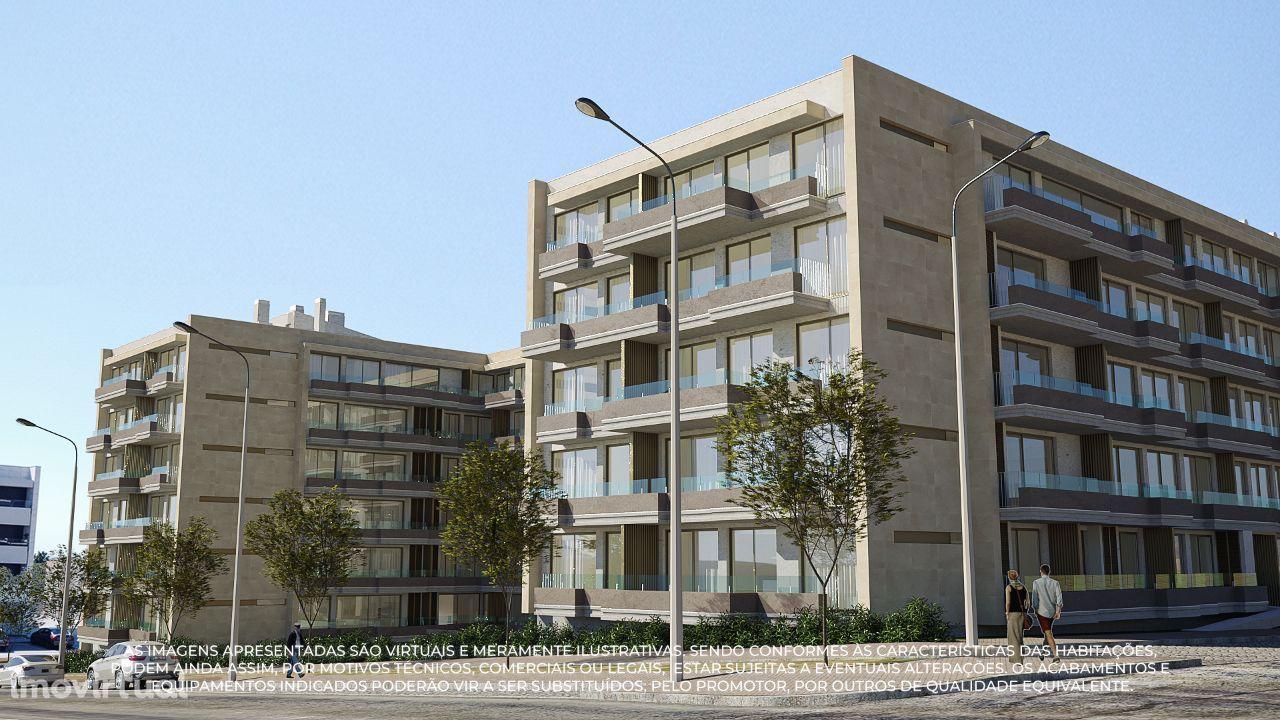 Apartamento T3 c/ Varanda e 2 Lugares de Garagem