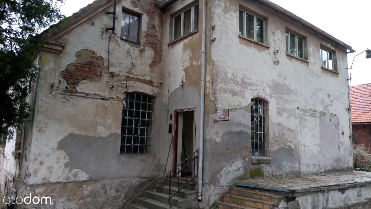 Sprzedam dom z budynkami gospodarczymi do remontu
