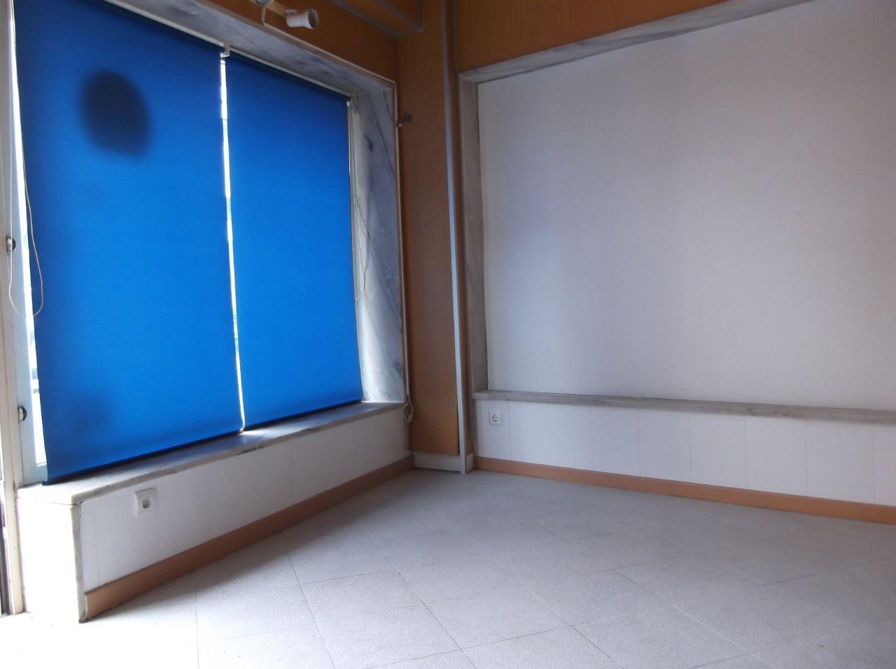 Loja para arrendamento no Barreiro- 320€