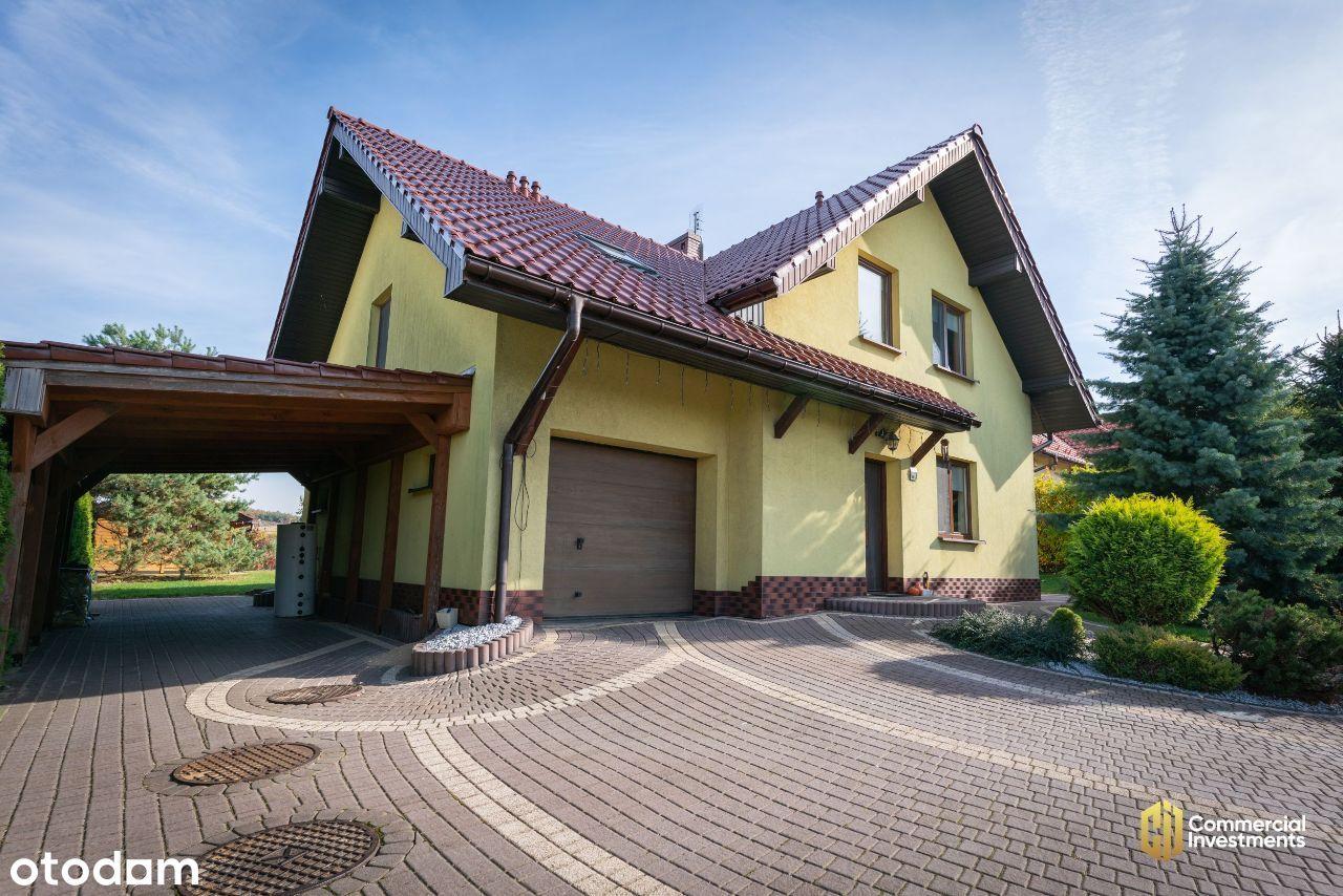 Przestronny Dom z Ogrodem w Idelanej Lokalizacji