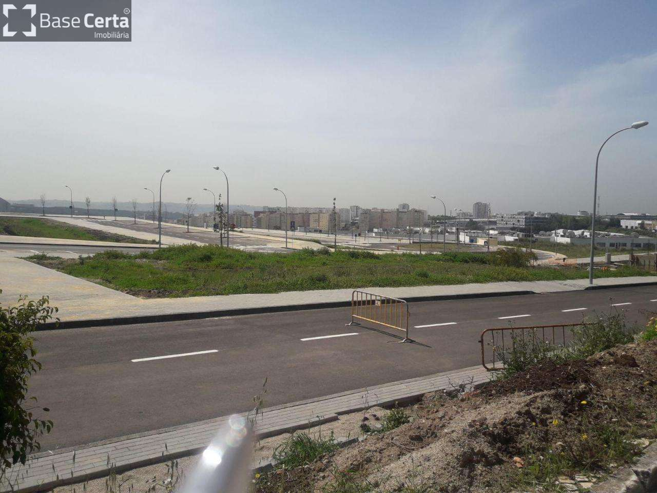 Terreno para comprar, Carnaxide e Queijas, Lisboa - Foto 1