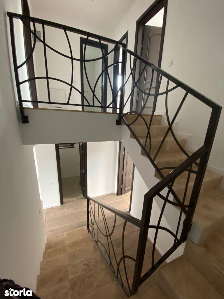 Casa duplex Bucov Mica Roma