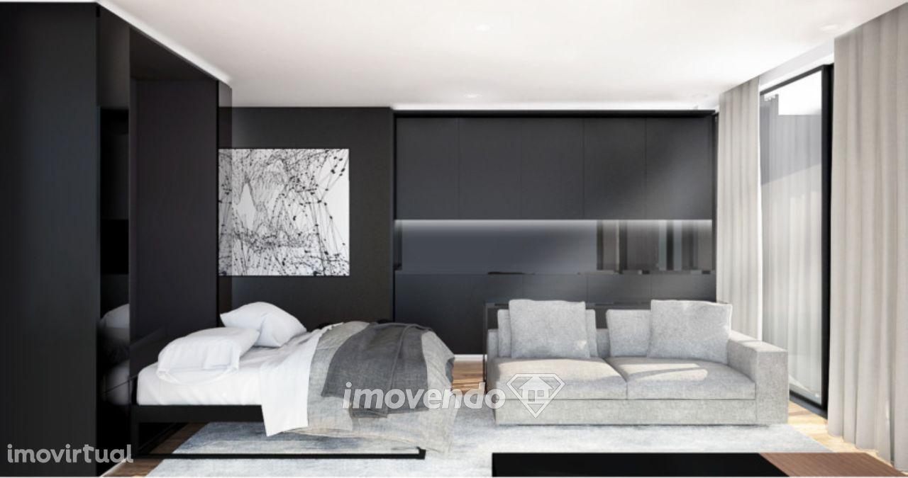 Apartamento T0, em condomínio de luxo, em zona exclusiva do Porto