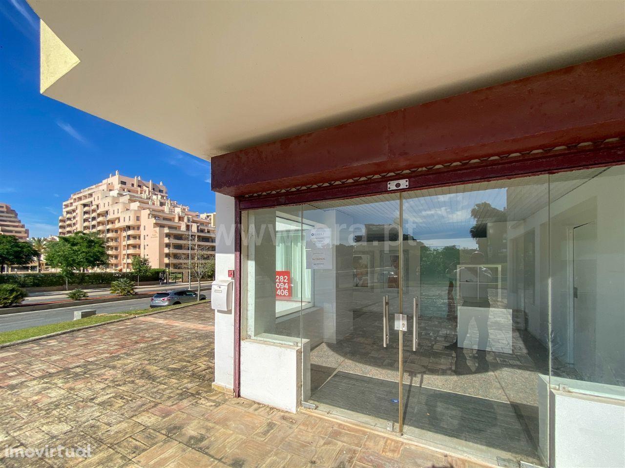 Loja, 105,42 m², Portimão