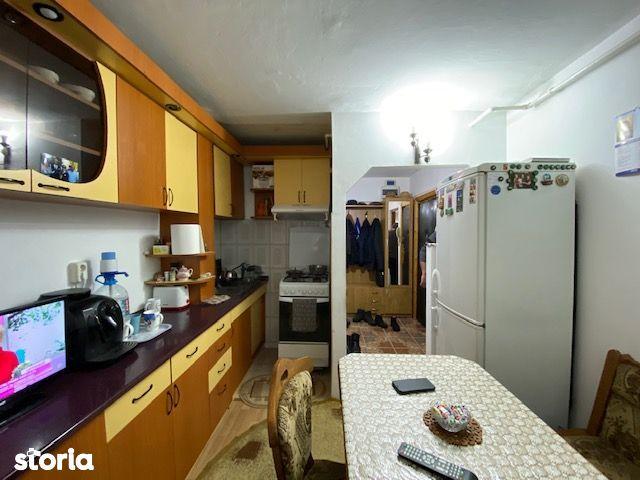 Apartament 3 camere 70 mp D-va Nord zona Victor Deleu 49.000 Eur neg