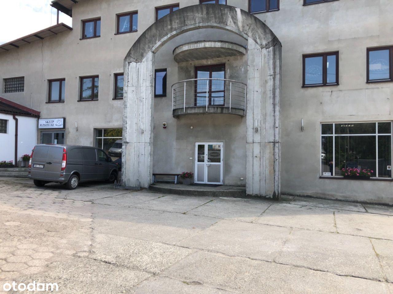 Obiekt przemysłowy z powierzchnią biurową i mieszk