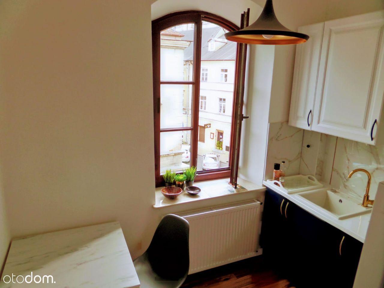 Apartment For Rent, Do wynajęcia