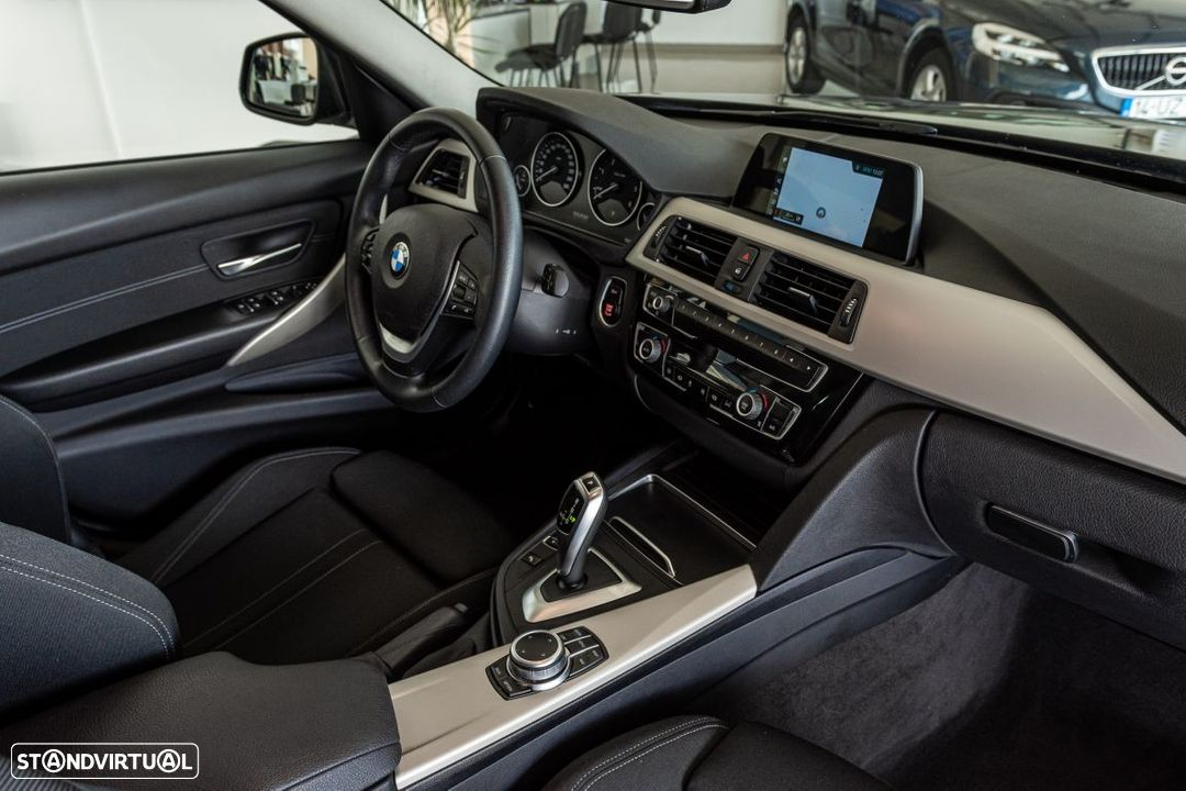 BMW 318 d Touring Ultimate Auto - 14