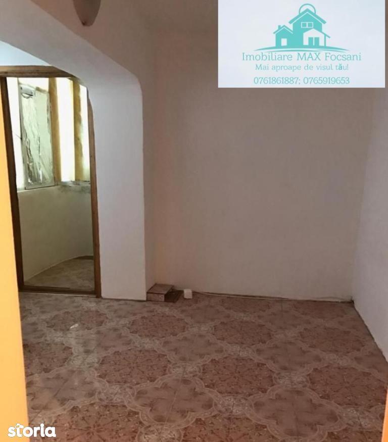 Garsoniera confort 1, 40 mp, decomandata, et. 4/4 cu acoperis