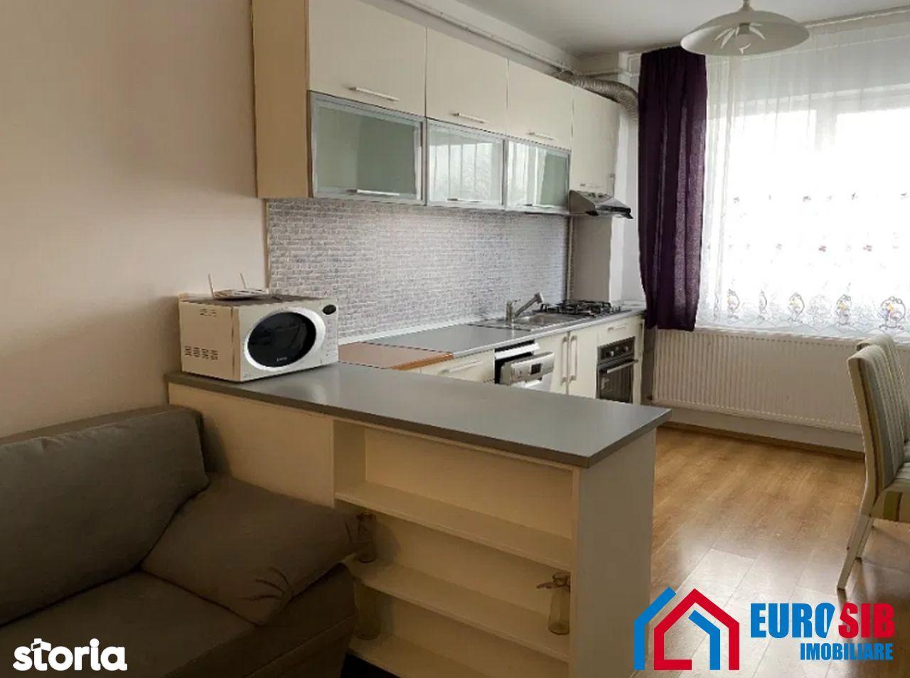 Apartament cu 3 camere de închiriat în Sibiu zona Ștrand