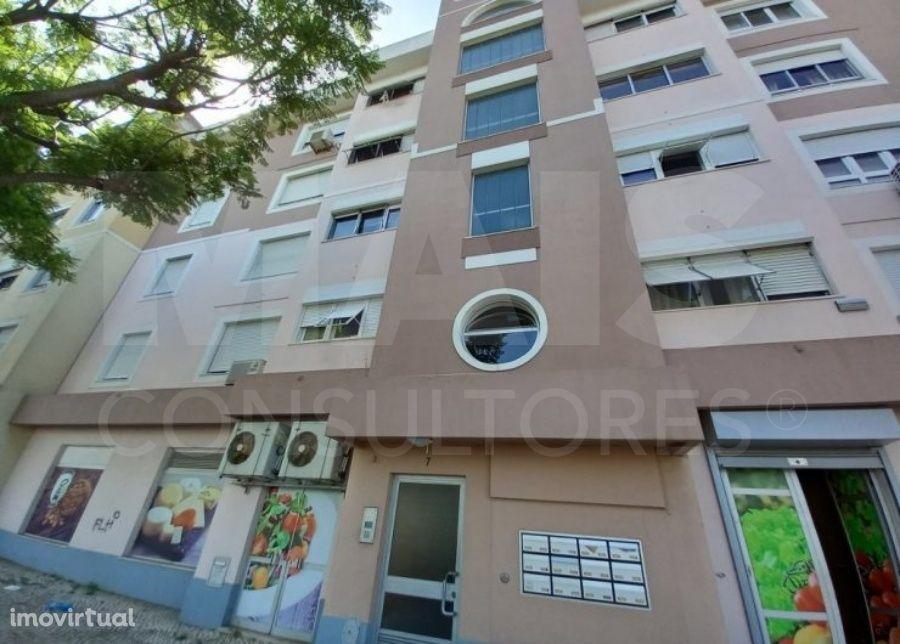 Apartamento T2 na Buraca, Amadora