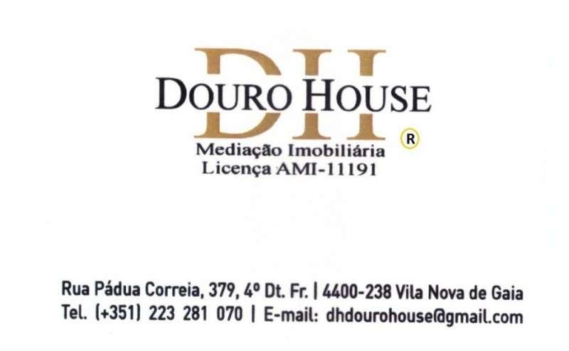 Este apartamento para comprar está a ser divulgado por uma das mais dinâmicas agência imobiliária a operar em Oliveira do Douro, Porto