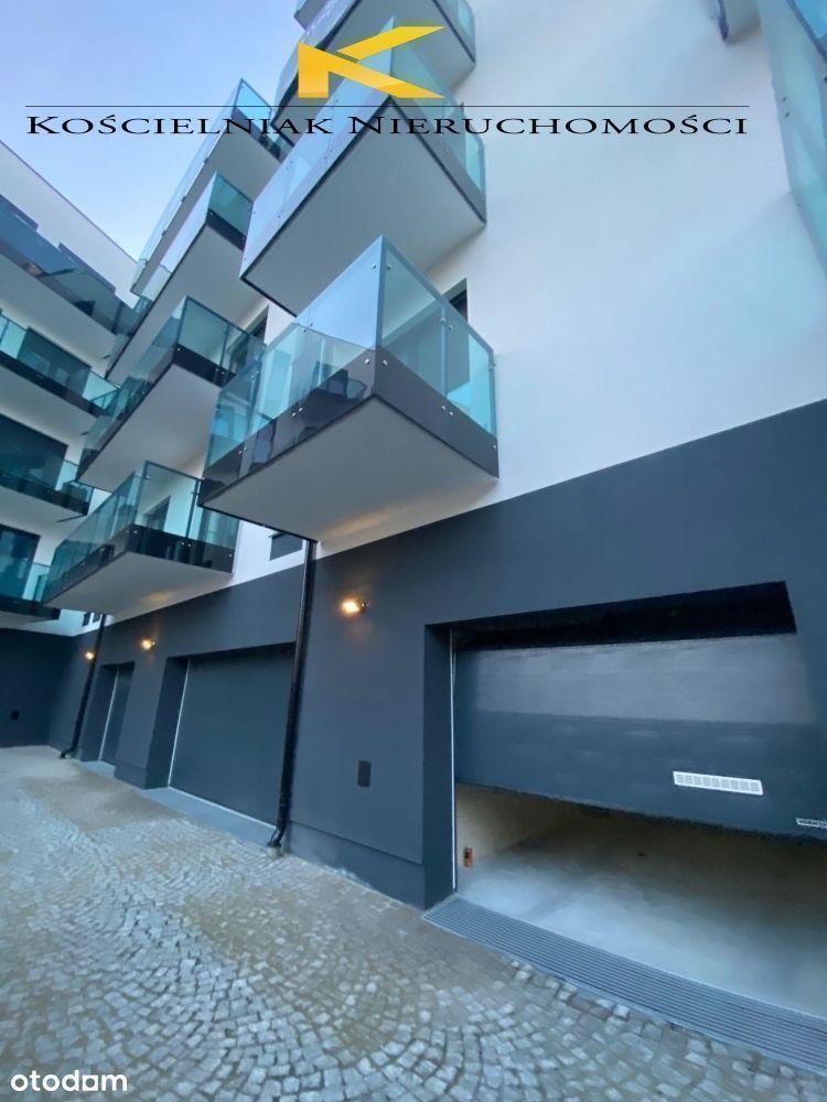 Duże mieszkanie z 2 balkonami i garażem w centrum.
