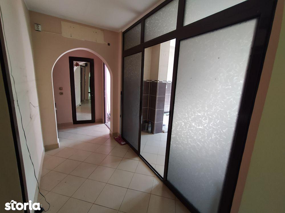 Apartament 4 camere Micro 19