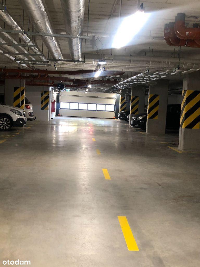 Niezależne miejsca postojowe w garażu podziemnym