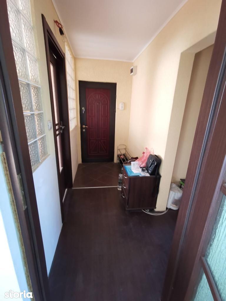 Vand apartament 3 cam. , decomandat ,centrala proprie, Alfa