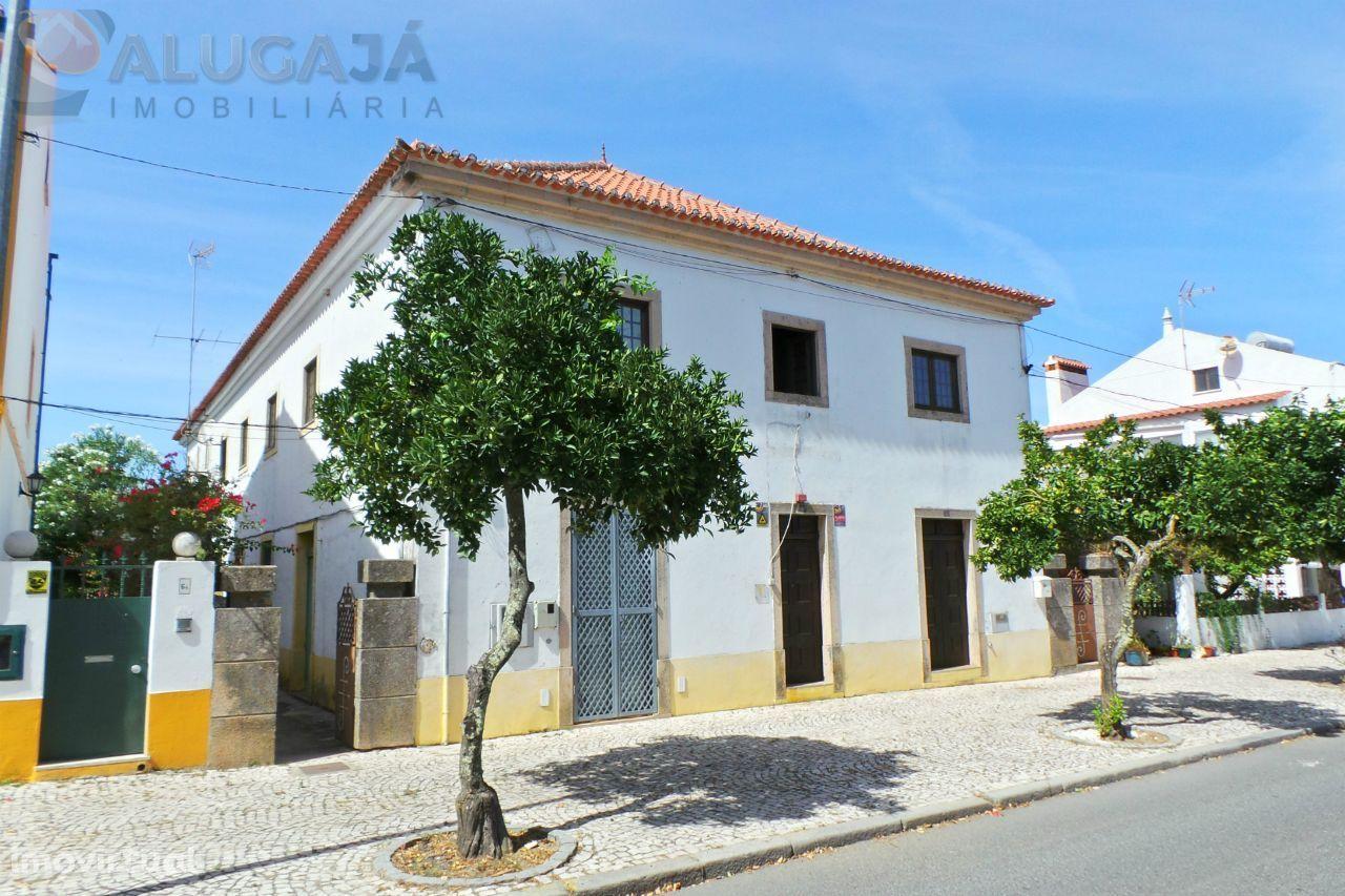 Gavião/Portalegre - Imóvel com 2 pisos para discoteca/restauração