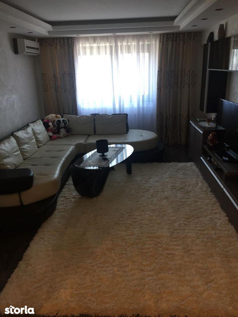 Vand apartament 3 camere zona Bariera-Calarasilor