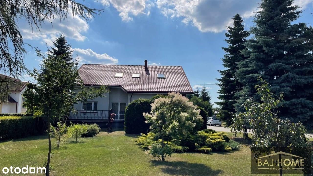 Dom jednorodzinny z malowniczym ogrodem