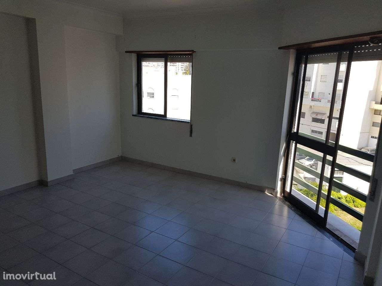 Apartamento para arrendar, Santarém (Marvila), Santa Iria da Ribeira de Santarém, Santarém (São Salvador) e Santarém (São Nicolau), Santarém - Foto 6
