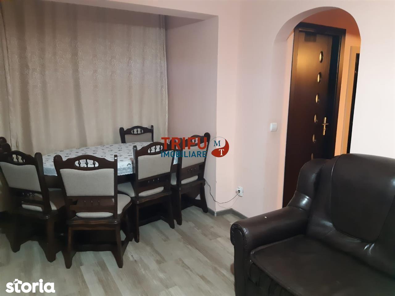 Apartament 4 camere, Cetate