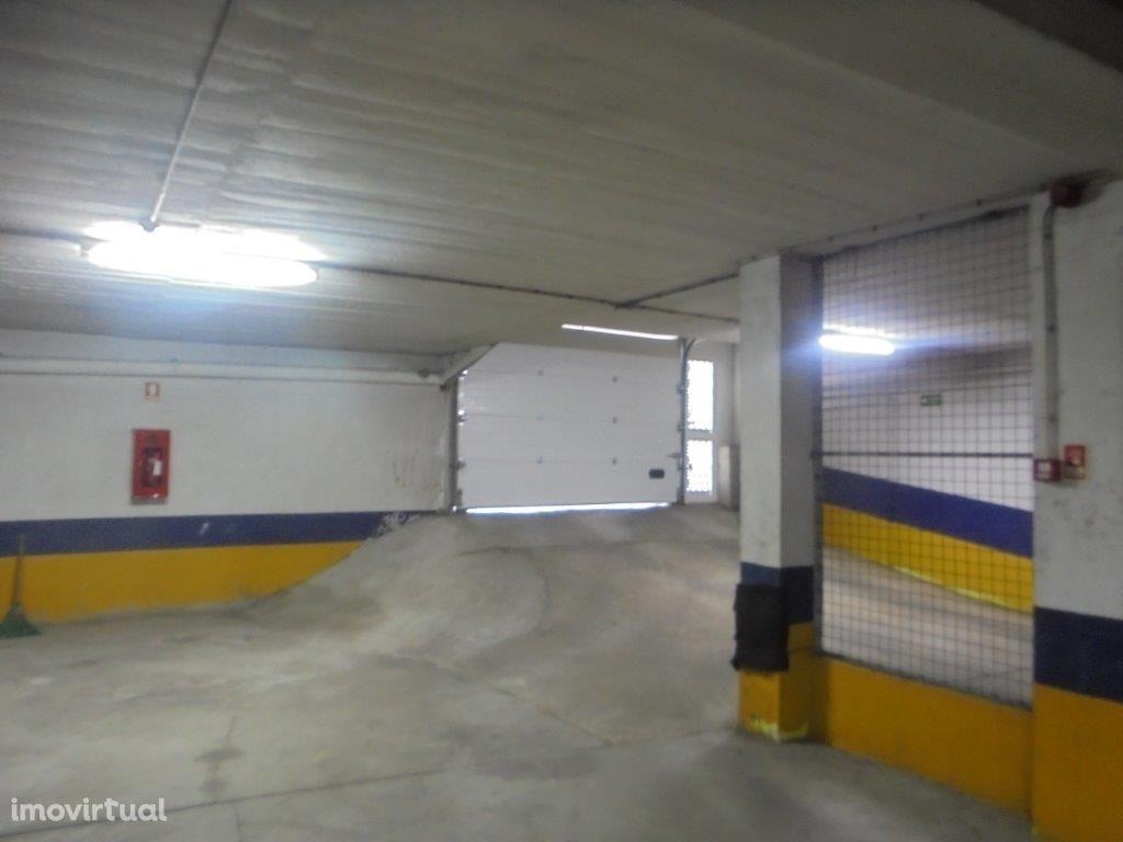 Garagem Box Queluz; Sintra