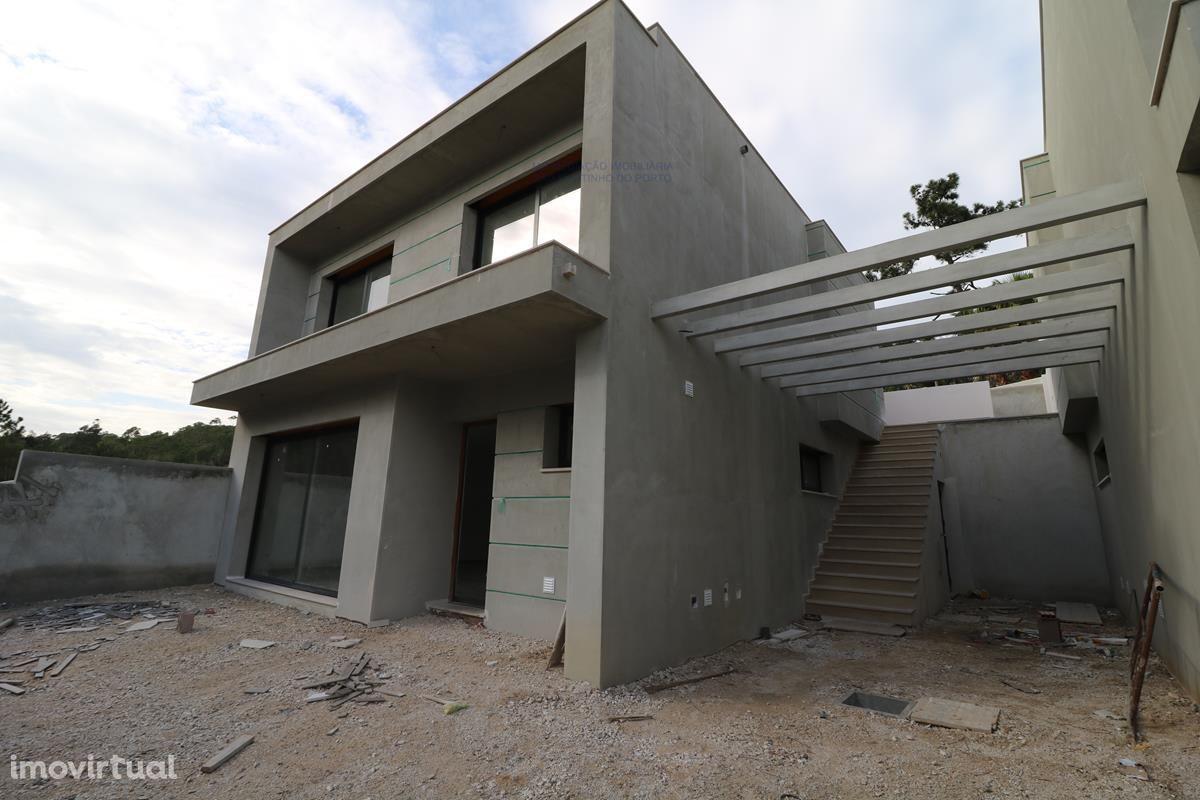 Moradia T3 em construção excelentes acabamentos Salir do Porto
