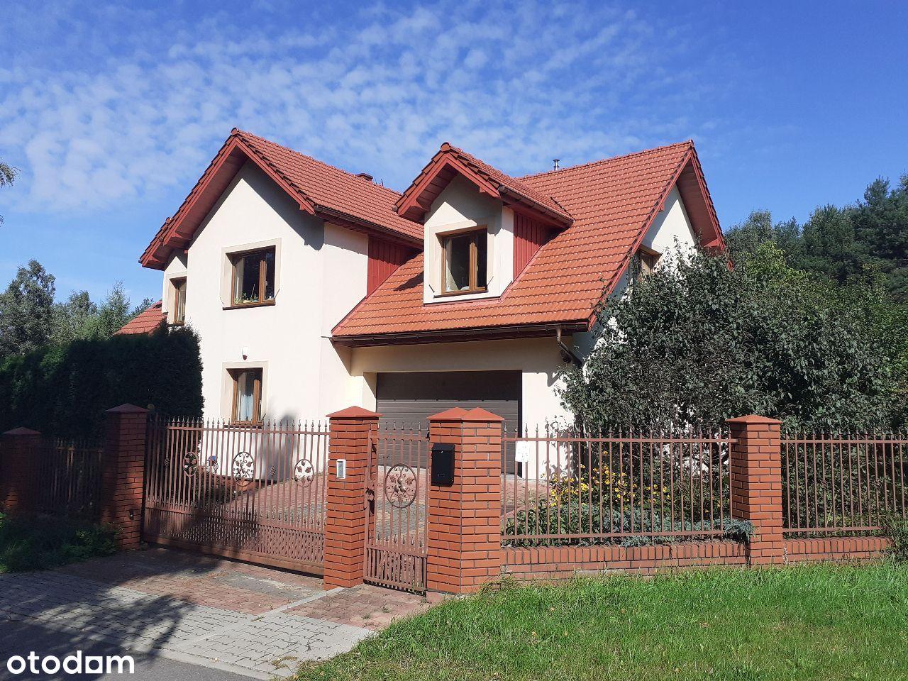 Przestronny dom w Kalonce, prestiżowa lokalizacja