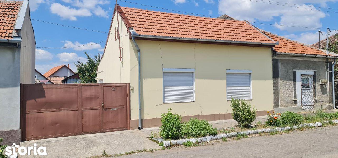 Casa de vanzare, str. Lotrului/ zona Clujului