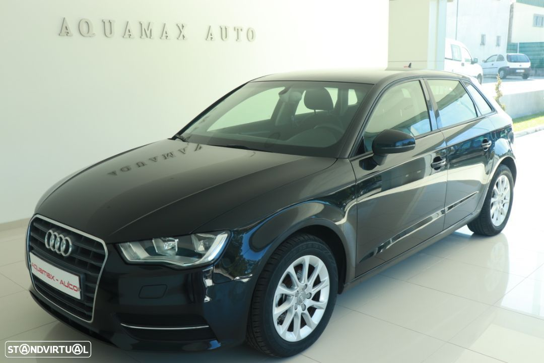 Audi A3 Sportback 1.6 TDi Attraction Business Line - 1