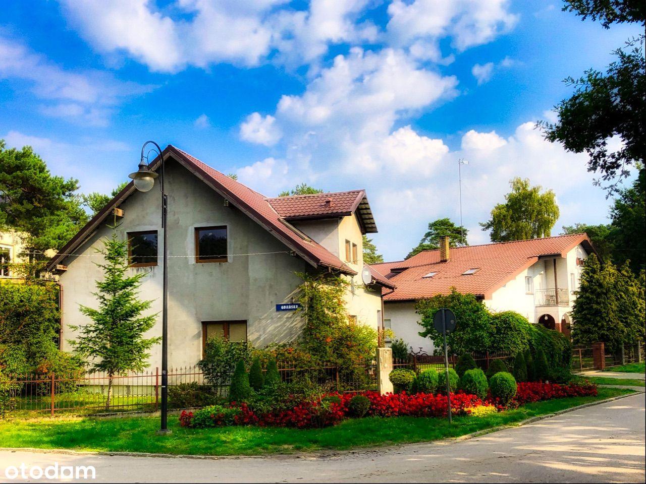 Piękne 2 domy na dużej działce blisko morza