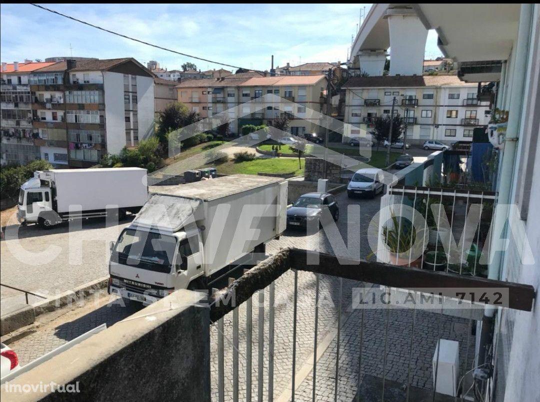 T3 c/ Varandas em Oliveira do Douro (Quebrantões)
