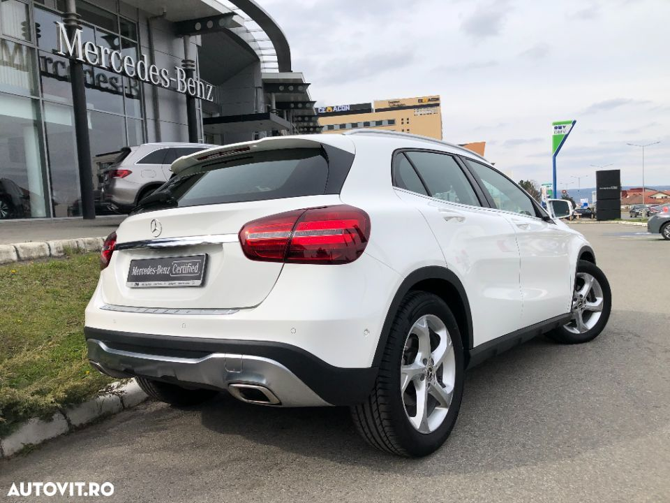 Mercedes-Benz GLA - 7