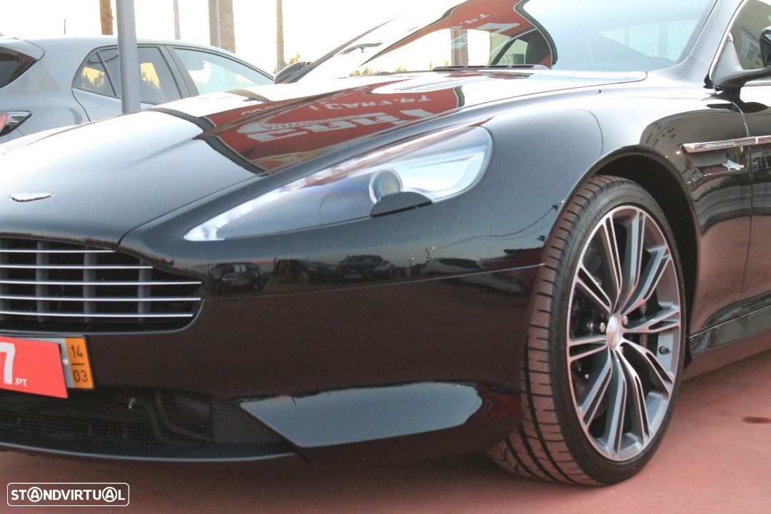 Aston Martin DB9 Coupe - 7