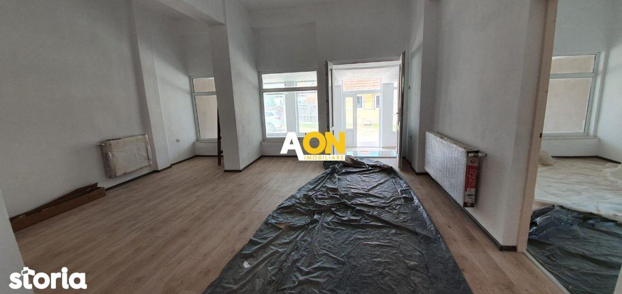 De vanzare apartament cu 3 camere si spatiu comercial, in Pianu de Jos